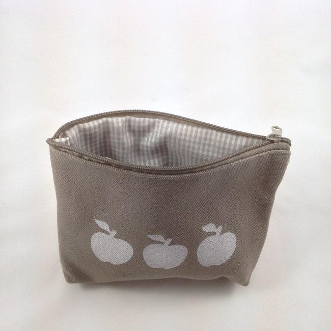 Intérieur pochette pommes