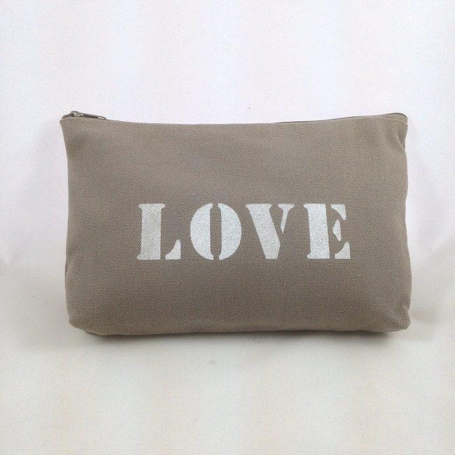 Pochette pochoir Love